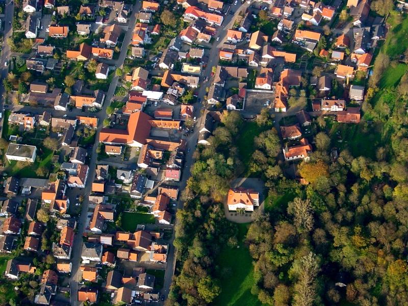 Luftbild vom Schloss in Hugstetten
