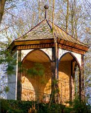 Teehaus des ehemaligen Hugstetter Schloßparks; wird im Volksmund Teehisli oder Lusthisle genannt