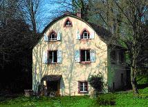 Ehemaliges Gärtnerhaus im Schloßpark Hugstetten