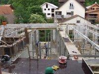 Einbau der Deckenträger für die Erdgeschossdecke
