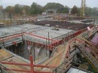 Erdgeschossdecke wird für das betonieren vorbereitet