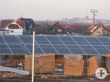 Ständer mit Solarzellenmodulen